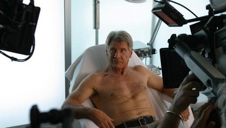 Harrison Ford se supune epilatului cu ceara sa atraga atentia impotriva defrisarilor din padurile tropicale