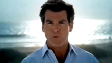 Apelul lui Pierce Brosnan pentru protejarea balenelor