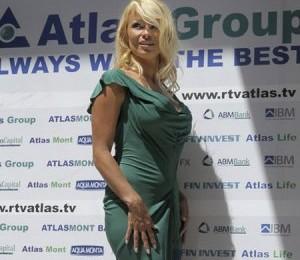 Pamela Anderson construieste eco in Muntenegru VEZI VIDEO