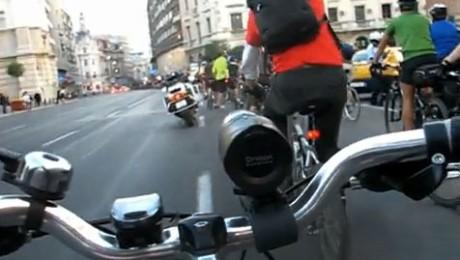 """Defilarea biciclistilor bucuresteni de """"Ziua fara masini"""""""