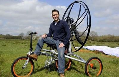 Paravelo – bicicleta zburatoare de 10.000 lire sterline (Video)