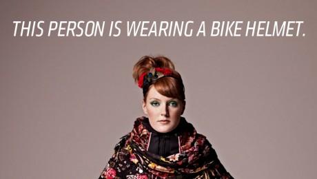 Suedezii au inventat casca de biciclist invizibila