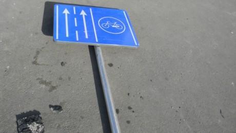 Cum se mai circula pe banda de biciclisti de pe Bd. Uranus