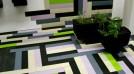 Anvelopele uzate transformate ingenios în parchet, mobilier sau sandale