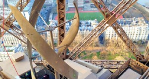 urban-green-energy-wind-turbine-eiffel-tower-lead-537x402