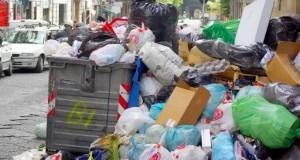 """Bucureștenii  """"produc"""" anual 31 de kilograme de deșeuri menajere pe cap de locuitor ."""