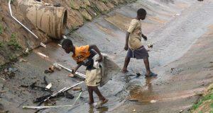 accesul la apă