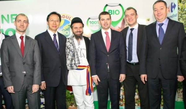 Jean Baptiste Dernoncourt, director general Carrefour, alături de ministrul chinez al agriculturii, Han Changfu, Marian Cioceanu, președintele Bio România și Daniel Constantin, ministrul agriculturii, la deschiderea Indagra 2014