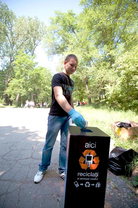 Campania se desfășoară în perioada 3-14 noiembrie, iar Orange România își propune să recicleze peste 1.000 de telefoane mobile în 5 zile.