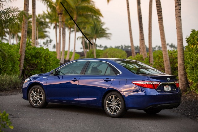 8-toyota-camry-hybrid-41-combined-mpg