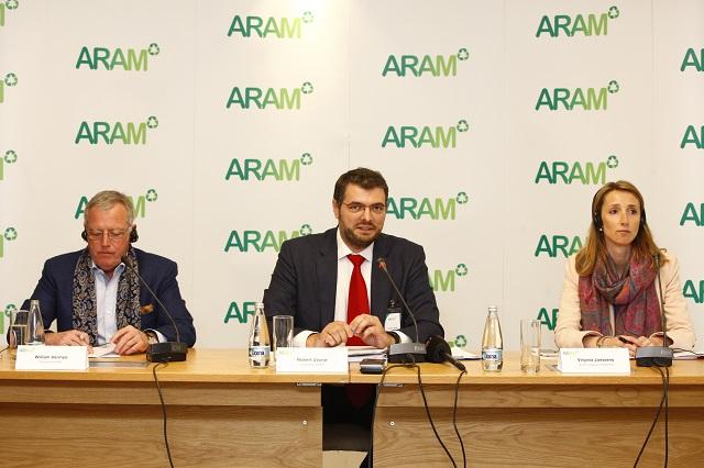 William Vermeir, Robert Uzună și Virginia Jenssens.