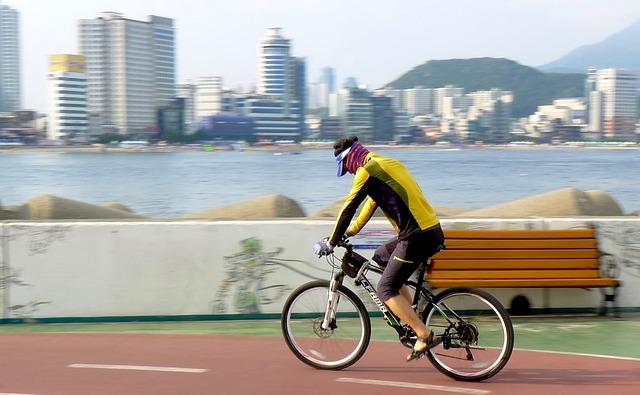 Construcția de piste de biciclete, investiție în sistemul de sănătate publică