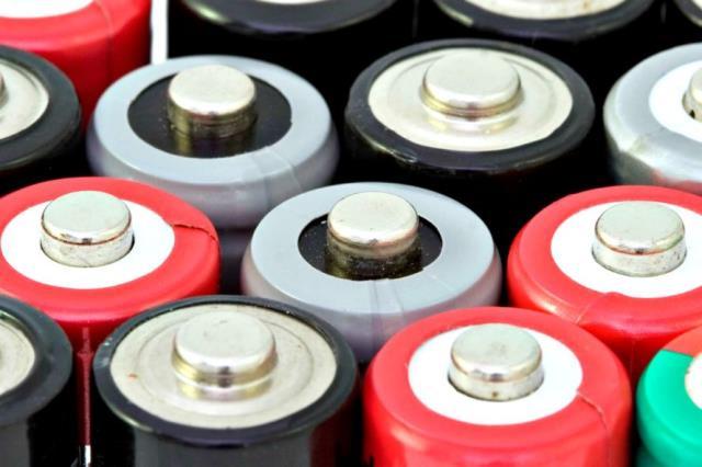 baterii din gunoi