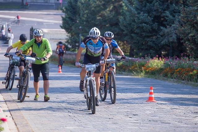 Cum să pedalezi ca un profesionist la BikeFest