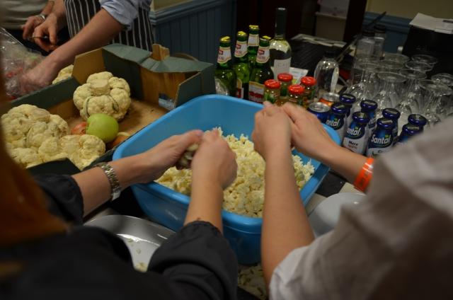cină comunitară risipă alimentară