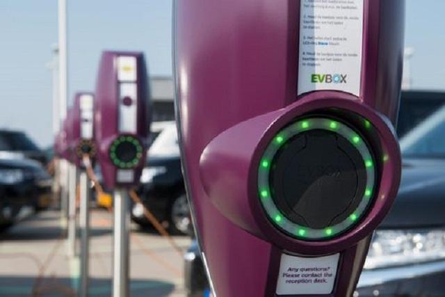 O nouă marcă pe piața românească a stațiilor de încărcare pentru mașini electrice