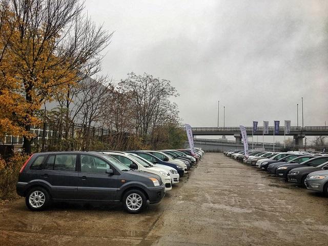 Peste 500.000 de mașini vechi au fost înmatriculate anul trecut în România