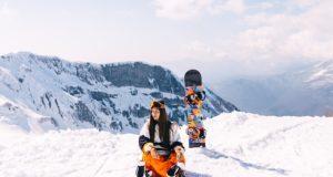 Cum poți să fii un schior sau snowboarder cu respect față de mediu
