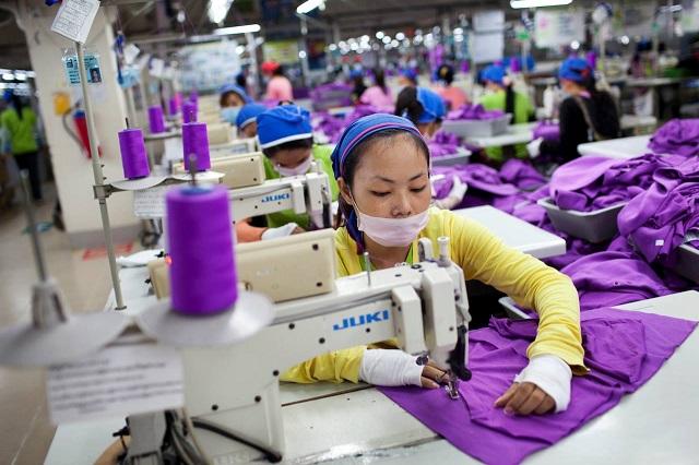 Provocare împotriva fast fashion: poartă aceleași șase haine timp de șase săptămâni