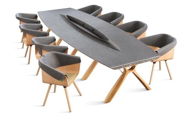 plastic whale masă meeting