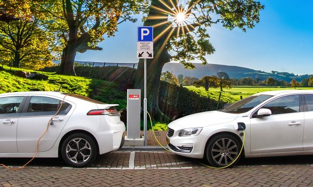 Primăria București acordă 5.000 de vouchere pentru mașini electrice sau cu nivel redus de emisii