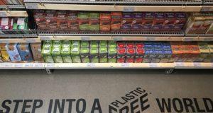 120.000 de persoane cer raioane fără plastic în supermarketurile din Statele Unite