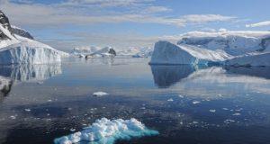 topirea bazei ghetarilor antarctica