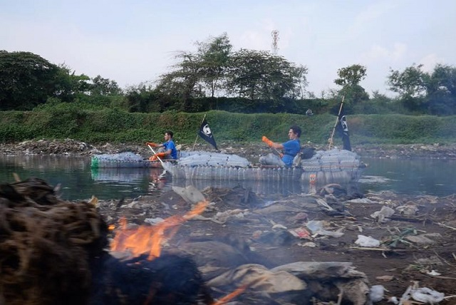 Râul Citarum ar putea deveni din cel mai poluat din lume, cel mai curat