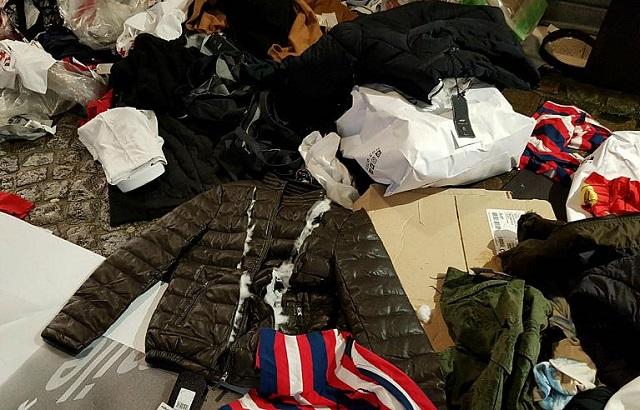 Franța va aproba o lege prin care magazinele vor fi obligate să doneze hainele nevândute