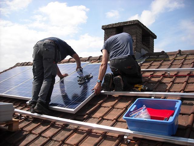 100 milioane de euro pentru subvenționarea cumpărării instalațiilor de energie solară