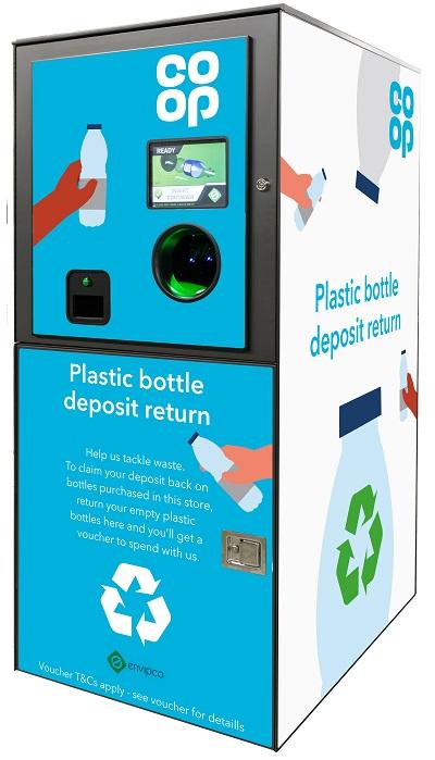 Câteva parcuri de distracții din Marea Britanie oferă reduceri în schimbul sticlelor de plastic
