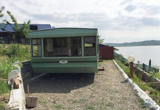 Viața într-o casă mică. Locuințe mobile, la mâna a doua, aduse din Europa