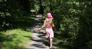 Studiu: copiii care trăiesc în apropierea pădurilor au o nutriție mai bună