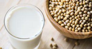 Avantajele și dezavantajele ale 7 tipuri de lapte vegetal