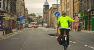Bicicliștii, mai puțin expuși la poluarea din ambuteiaje decât șoferii