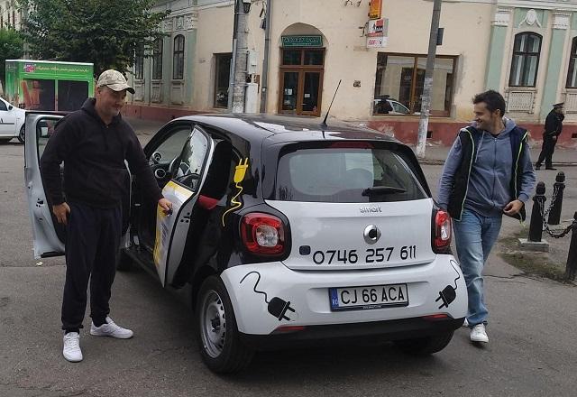 Cluj. Prima școală de șoferi din România care are o mașină electrică